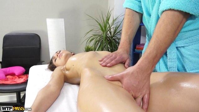 Нежный массаж киски и жесткий анальный секс с массажистом #5
