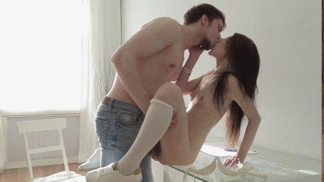Нежные оральные ласки в позе 69 и красивый секс в постели #2