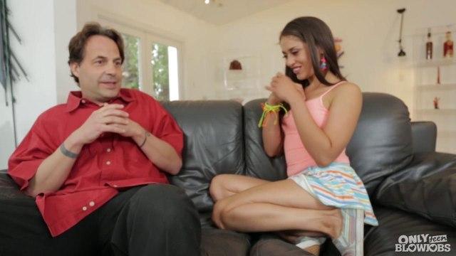 Падчерица классно сосет и трахается с отчимом на диване #2