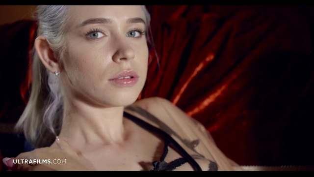 Соло мастурбация симпатичной блондинки с яркой татуировкой #2