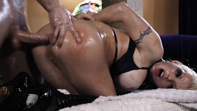 Страстный анальный секс с шикарной блондинкой с масляной задницей #6