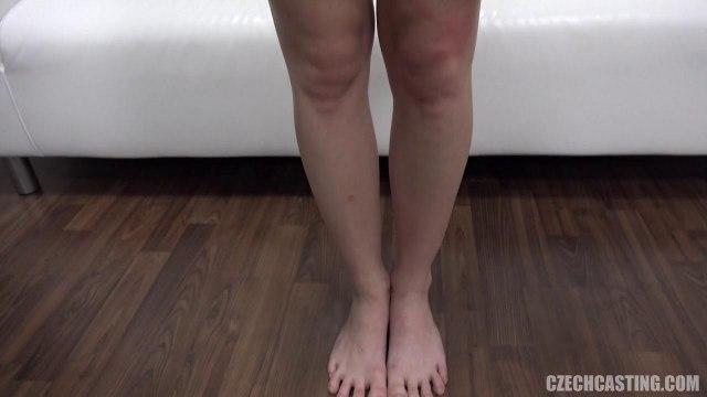 Телка с косичкой отсосала и раздвинула ноги перед порно агентом на кастинге #4