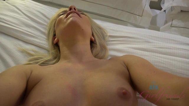 Член в сочной киске блондинки крупным планом и яркий оргазм цыпочки #2