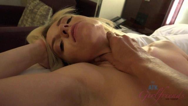 Член в сочной киске блондинки крупным планом и яркий оргазм цыпочки #6