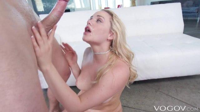 Блондинка получила крепкий член в свой шикарный зад и испытала анальный экстаз #9