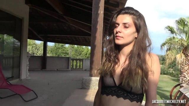 Спортивную девчонку натянули на два члена одновременно в сексе втроем #1