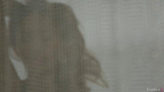 Девушка стянула синие трусики перед отцом лучшей подруги и нежно потрахалась #1