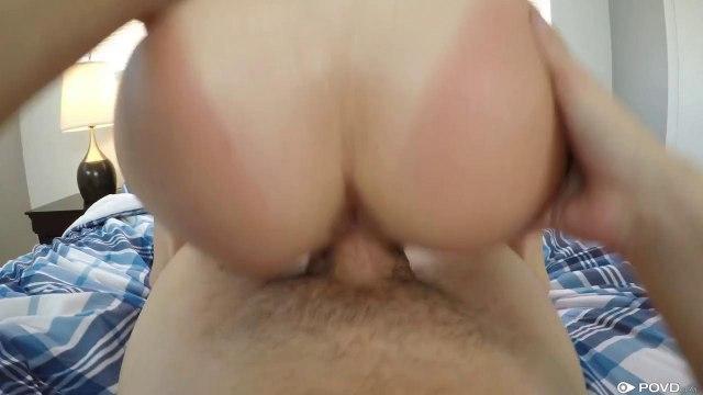 Девица натирает в позе всадника лохматкой толстый член приятеля #7