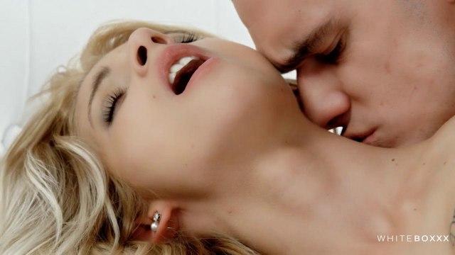 Девушка разбудила мужа горловым минетом и дала в розовую теплую писюшку #5