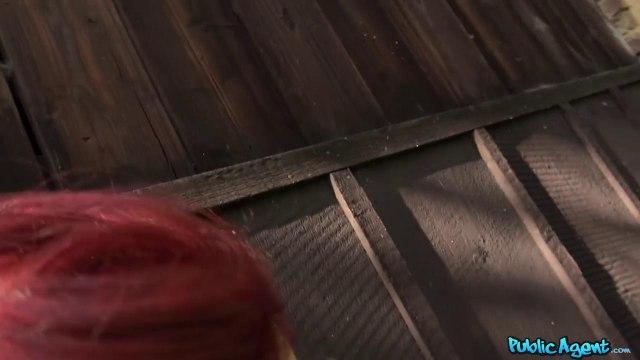 Пикапер выдал в парке на язычок девке с красными волосами массивный член #5