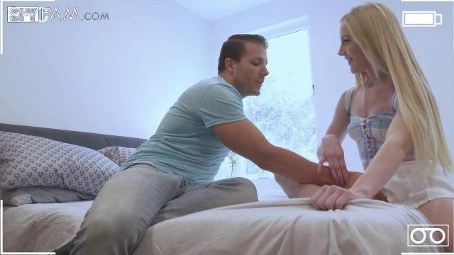 Вместо мастурбации телка решила отдаться своему сводному брату #3