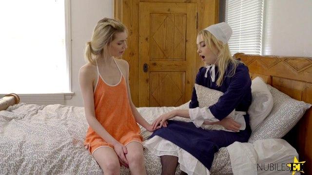 Блондинки возбуждают друг друга лесбийскими ласками и трахаются с мужиком #2
