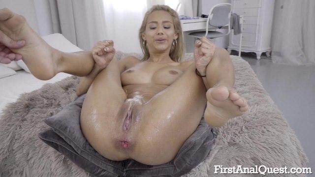 Лысый мачо трахнул блондинку в анал и облил ее пилотку спермой #9