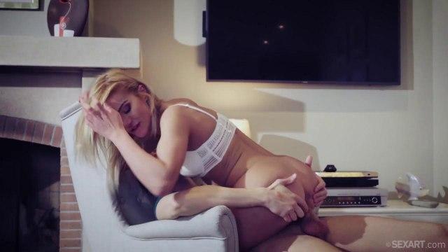 Похотливая девка сама запрыгнула на член своего парня, чтобы получить удовольствие #5
