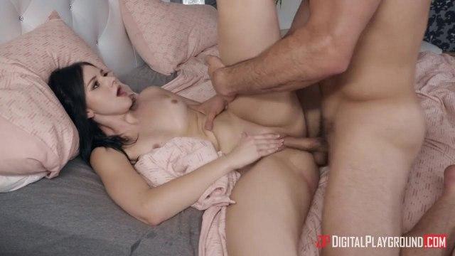 Похотливая студентка ради оргазма готова подставить киску для первого встречного #7