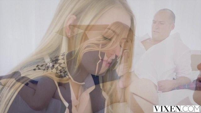 Блондинка приехала к директору домой, чтобы соснуть до спермы его бритую дубину #3