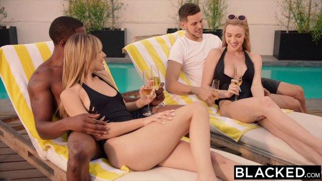 Черный и белый меняются женами и ебутся на групповухе у бассейна #3